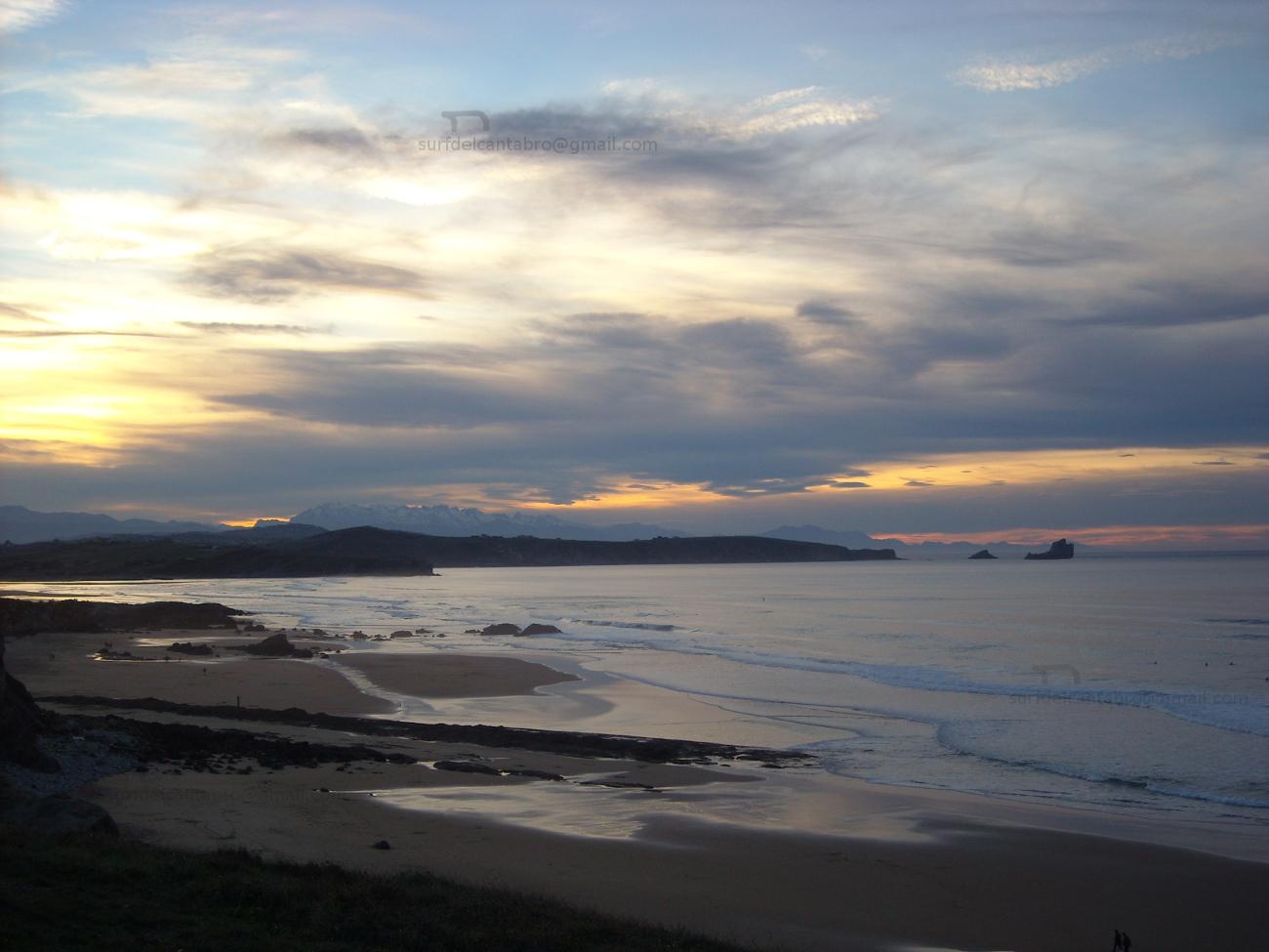 low tide over liencres