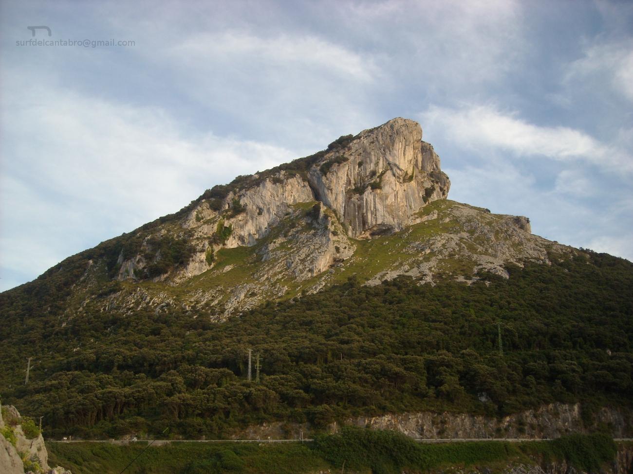 Islares Mounts